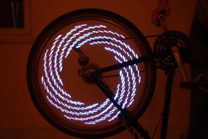 LED lys til cyklen (cykeleger) - pris DKK 219,00 - SJOVEVARER.DK