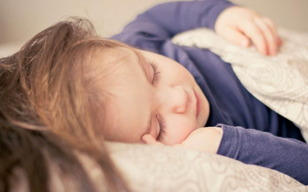 Månelampen der får børn til at falde i søvn